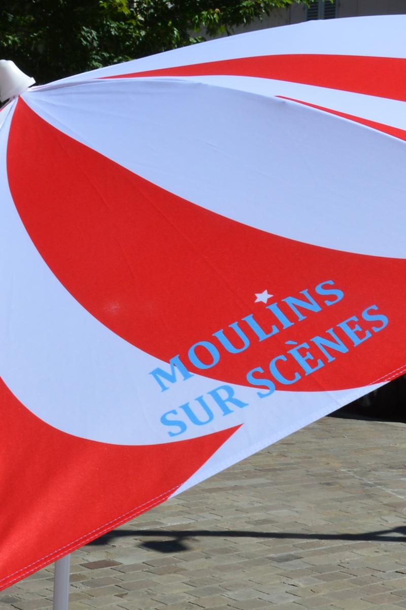 """Parasol """"Moulins sur scènes"""""""